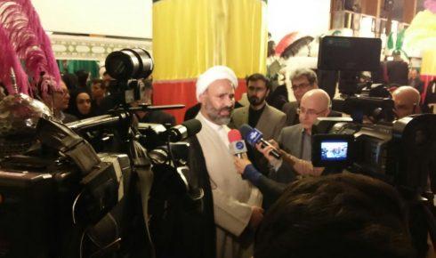 حضور حجت الاسلام پژمان فر در افتتاحیه لباس عاشورایی