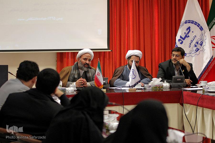 گزارش تصویری/نشست هماندیشی فعالان و مدیران قرآنی خراسان رضوی با حضور حجت الاسلام پژمانفر