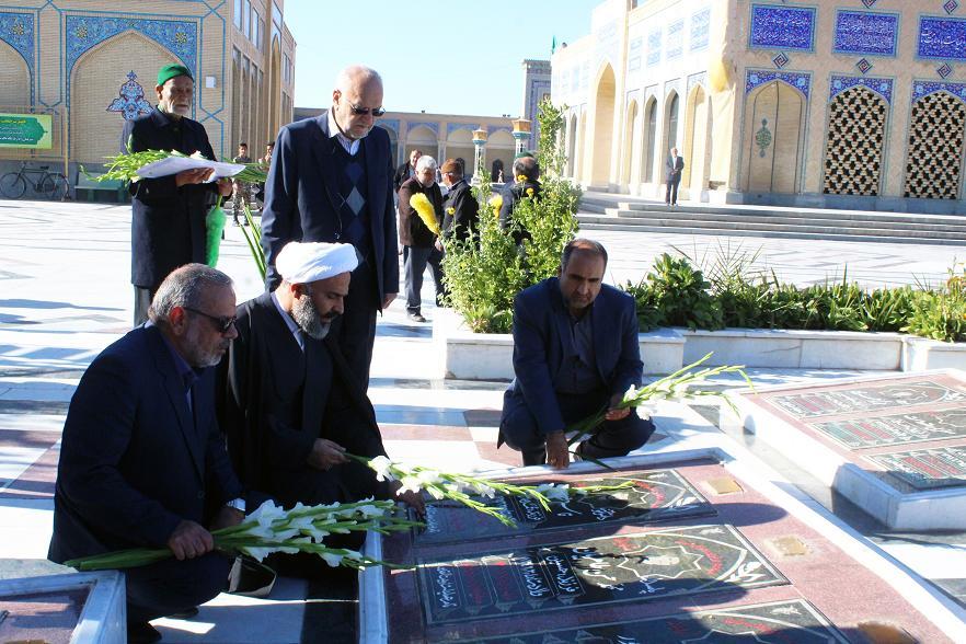گزارش تصویری/ سخنرانی حجت الاسلام پژمانفر در جوار زیارتگاه شهید مدرس به مناسبت روز مجلس