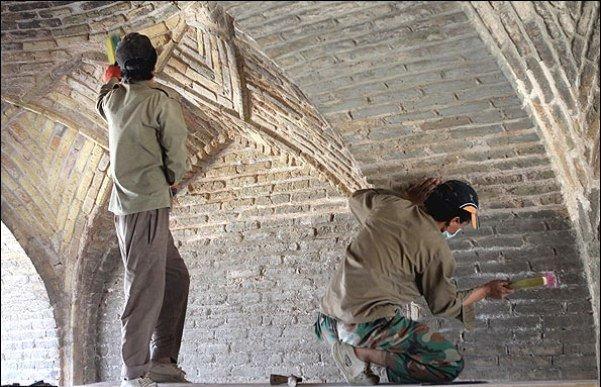 نایب رئیس کمیسیون فرهنگی: بناهای تاریخی و فرهنگی را تحت عنوان نوسازی بافت فرسوده تخریب میکنند