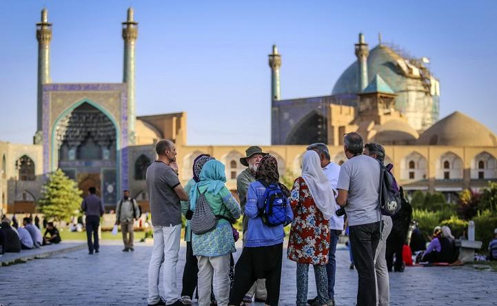عضو کمیسیون فرهنگی مجلس: توریست شاخصهای جهانی و مشخصی دارد